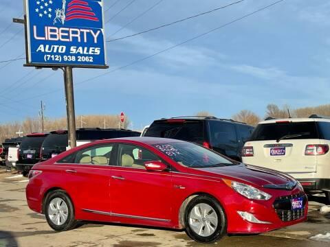 2013 Hyundai Sonata Hybrid for sale at Liberty Auto Sales in Merrill IA