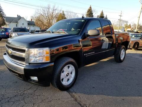 2007 Chevrolet Silverado 1500 for sale at DALE'S AUTO INC in Mt Clemens MI