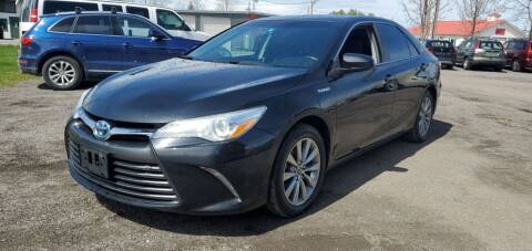 2015 Toyota Camry Hybrid for sale at Village Car Company in Hinesburg VT