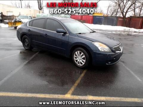 2007 Nissan Altima for sale at Lee Motor Sales Inc. in Hartford CT