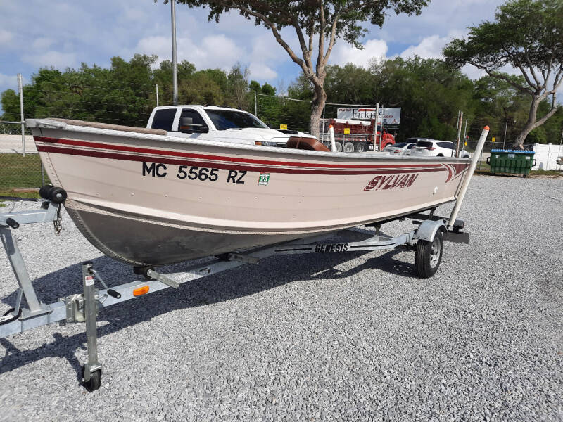 2000 Sylvan Super Snapper for sale at Boats And Cars - Manatee Marine Unlimited in Palmetto FL