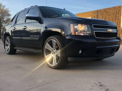 2007 Chevrolet Avalanche for sale at El Tucanazo Auto Sales in Grand Island NE