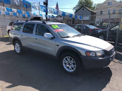 2004 Volvo XC70 for sale at Riverside Wholesalers 2 in Paterson NJ