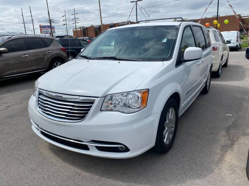 2016 Chrysler Town and Country for sale at Auto Solutions in Warr Acres OK