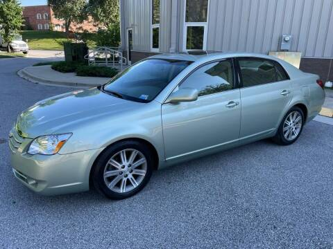 2005 Toyota Avalon for sale at AMERICAR INC in Laurel MD