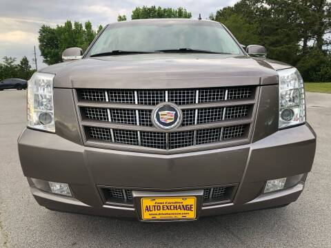 2013 Cadillac Escalade ESV for sale at Greenville Motor Company in Greenville NC
