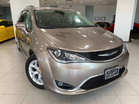 2017 Chrysler Pacifica for sale at Auto Mall of Springfield in Springfield IL