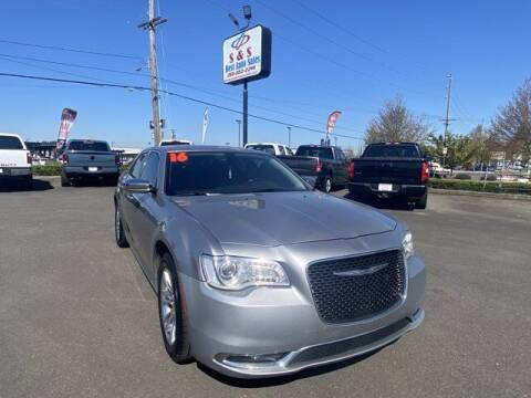 2016 Chrysler 300 for sale at S&S Best Auto Sales LLC in Auburn WA