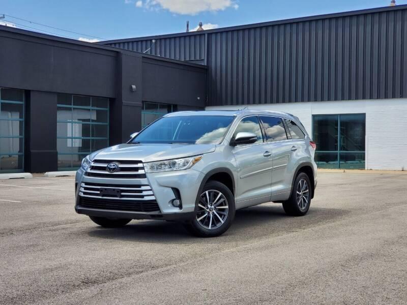 2018 Toyota Highlander for sale in Barrington, IL
