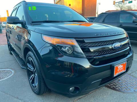 2013 Ford Explorer for sale at TOP SHELF AUTOMOTIVE in Newark NJ