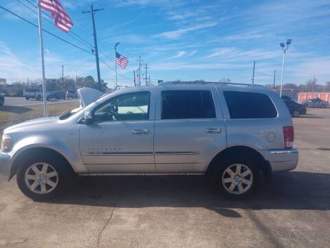 2008 Chrysler Aspen for sale at BIG 7 USED CARS INC in League City TX