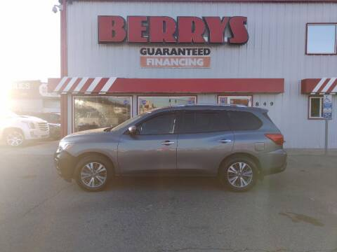 2017 Nissan Pathfinder for sale at Berry's Cherries Auto in Billings MT