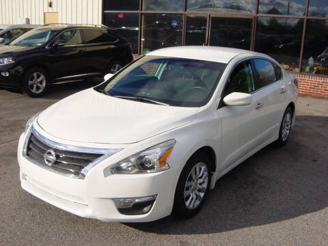 2015 Nissan Altima for sale at North South Motorcars in Seabrook NH