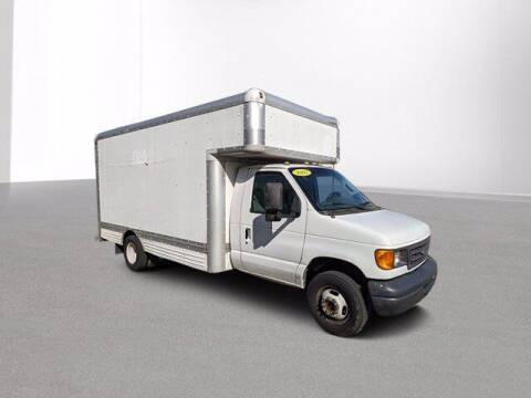 2007 Ford E-Series Chassis for sale at Jimmys Car Deals at Feldman Chevrolet of Livonia in Livonia MI