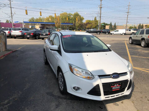 2012 Ford Focus for sale at Drive Max Auto Sales in Warren MI