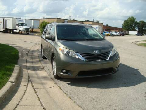 2011 Toyota Sienna for sale at ARIANA MOTORS INC in Addison IL