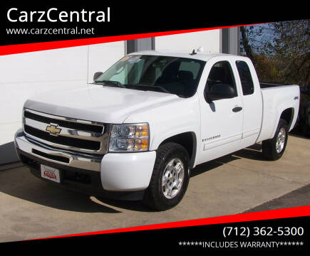 2009 Chevrolet Silverado 1500 for sale at CarzCentral in Estherville IA