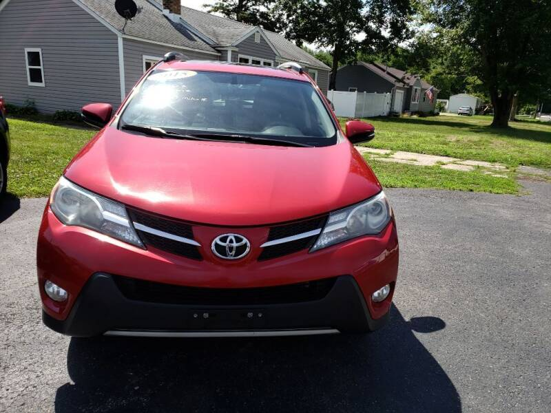 2015 Toyota RAV4 for sale at The Car Mart in Milford IN