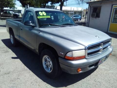 2000 Dodge Dakota for sale at Larry's Auto Sales Inc. in Fresno CA