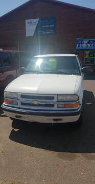 2001 Chevrolet S-10 for sale at WB Auto Sales LLC in Barnum MN