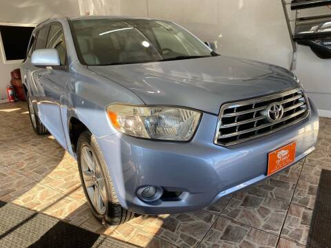 2008 Toyota Highlander for sale at TOP SHELF AUTOMOTIVE in Newark NJ
