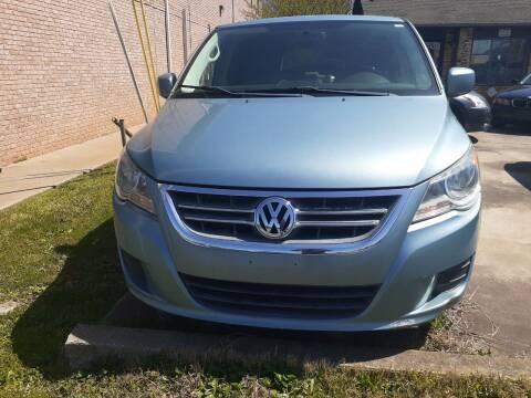 2010 Volkswagen Routan for sale at Star Car in Woodstock GA