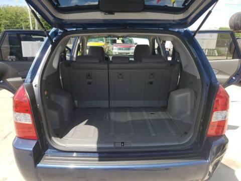 2006 Hyundai Tucson for sale at Super Trooper Motors in Madison WI