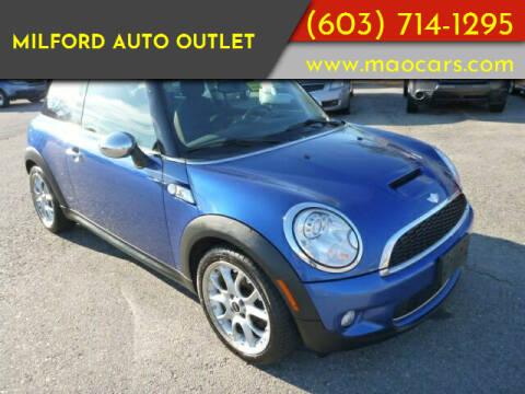 2007 MINI Cooper for sale at Milford Auto Outlet in Milford NH