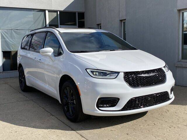 2021 Chrysler Pacifica for sale at K&M Wayland Chrysler  Dodge Jeep Ram in Wayland MI
