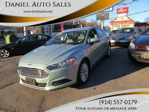 2014 Ford Fusion Hybrid for sale at Daniel Auto Sales in Yonkers NY