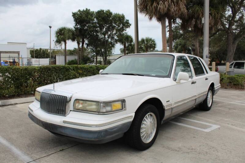 1996 Lincoln Town Car for sale at LIBERTY MOTORCARS INC in Royal Palm Beach FL