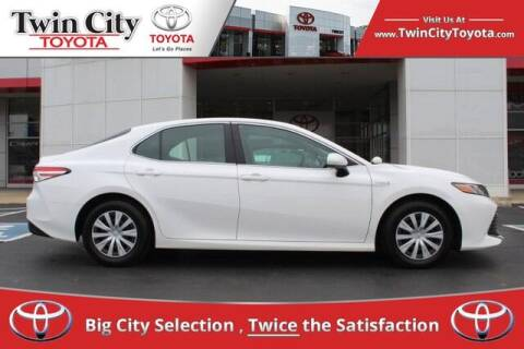 2018 Toyota Camry Hybrid for sale at Twin City Toyota in Herculaneum MO