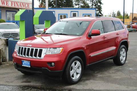 2011 Jeep Grand Cherokee for sale at BAYSIDE AUTO SALES in Everett WA