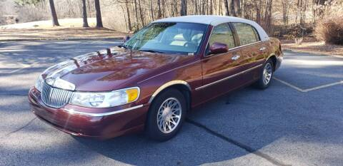 2000 Lincoln Town Car for sale at Village Wholesale in Hot Springs Village AR