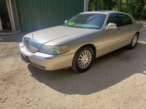 2003 Lincoln Town Car for sale at Northwoods Auto & Truck Sales in Machesney Park IL