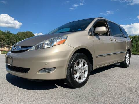 2006 Toyota Sienna for sale at Auto Warehouse in Poughkeepsie NY