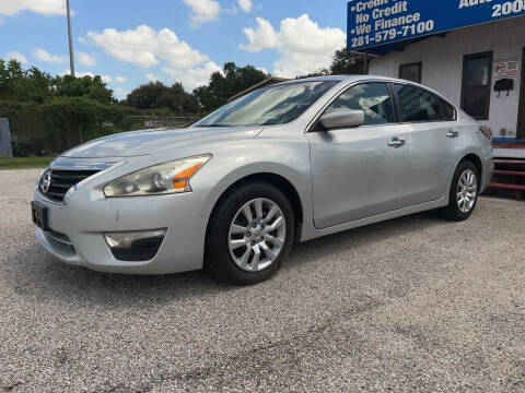 2014 Nissan Altima for sale at P & A AUTO SALES in Houston TX