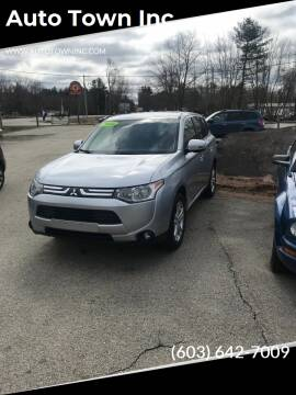 2014 Mitsubishi Outlander for sale at Auto Town Inc in Brentwood NH