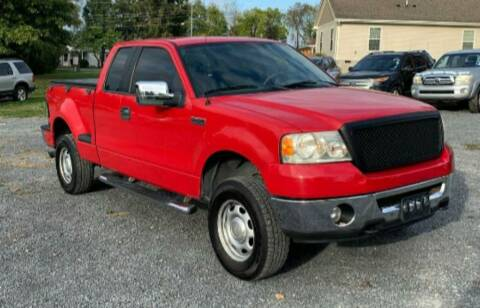 2006 Ford F-150 for sale at BSA Pre-Owned Autos LLC in Hinton WV