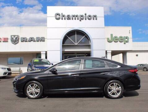 2018 Hyundai Sonata for sale at Champion Chevrolet in Athens AL