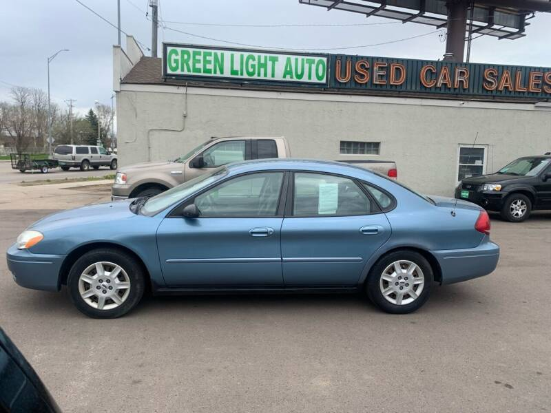 2007 Ford Taurus for sale at Green Light Auto in Sioux Falls SD