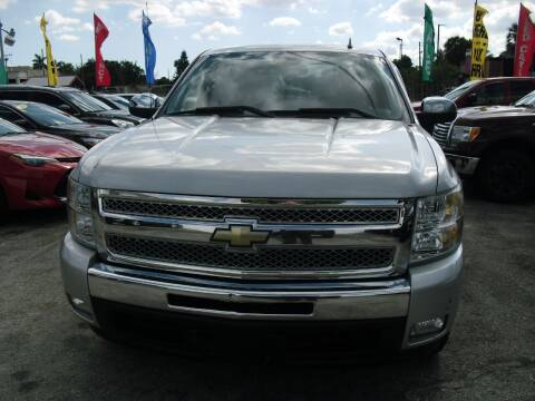 2011 Chevrolet Silverado 1500 for sale at SUPERAUTO AUTO SALES INC in Hialeah FL