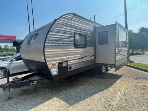 2015 Forest River CHEROKEE 204RB for sale at Modern Automotive in Boiling Springs SC