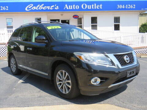 2014 Nissan Pathfinder for sale at Colbert's Auto Outlet in Hickory NC