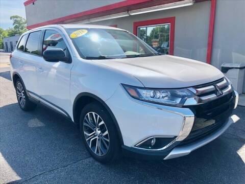 2018 Mitsubishi Outlander for sale at Richardson Sales & Service in Highland IN