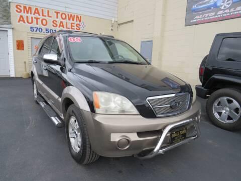 2005 Kia Sorento for sale at Small Town Auto Sales in Hazleton PA