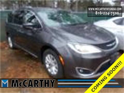 2018 Chrysler Pacifica for sale at Mr. KC Cars - McCarthy Hyundai in Blue Springs MO