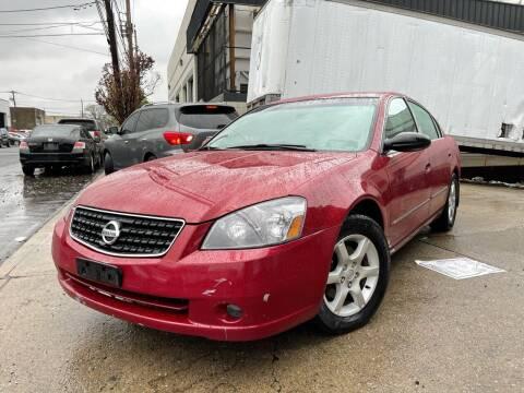2005 Nissan Altima for sale at Illinois Auto Sales in Paterson NJ