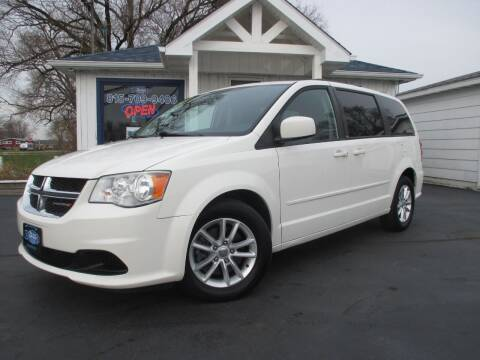 2013 Dodge Grand Caravan for sale at Blue Arrow Motors in Coal City IL