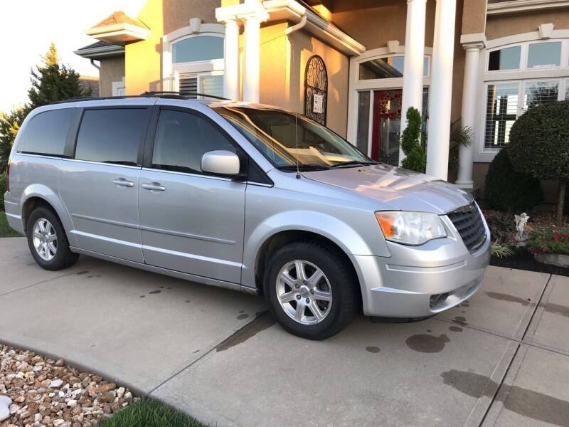 2008 Chrysler Town and Country for sale at Brewer's Auto Sales in Greenwood MO